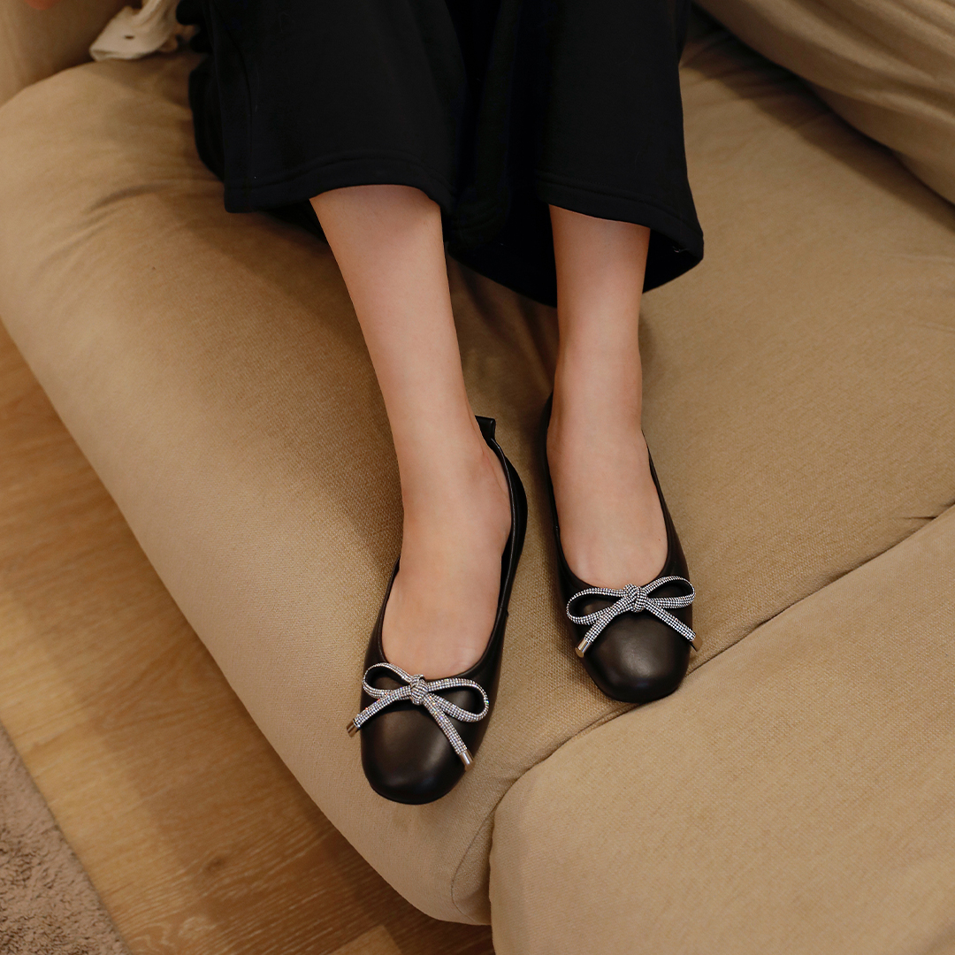 COMFORTABLE FLATS FOR EVERYDAY WEAR