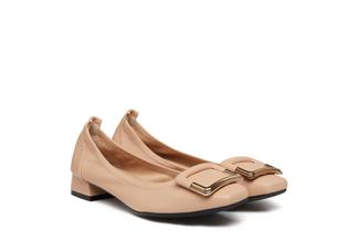 823-1A Almond Buckle Round Toe Heels