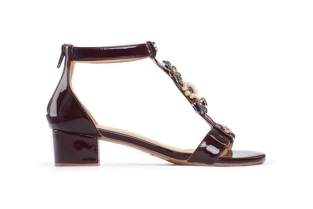 12b453f4965 1732-02 Maroon Embellished T-bar Sandals