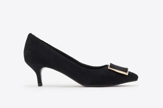 6091-29 Black Buckle Front Suede Heels