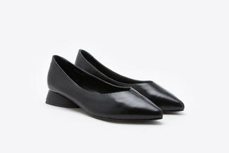 335-2 Black Classic Chunky Heels