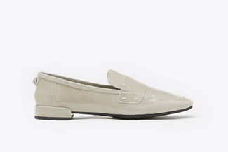 058-1A Grey Glossy Patent Leather Loafers