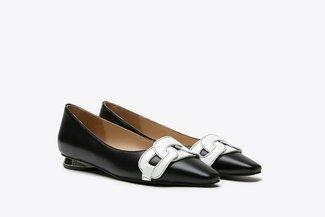 17206-102 Black Tri-Chain Effect Leather Ballet Flats