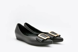 1819-2A Black Trapezium Buckle Leather Pointy Flats