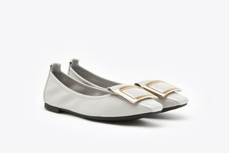 733-13 Grey Wide Buckle Glossy Patent Leather Flats