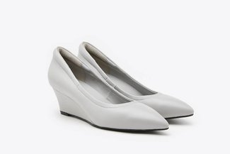 912A-1 Grey Classic Pointed Leather Wedges