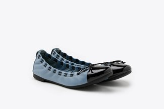 386-3A Blue Stitch Trimmed Round Toe Leather Ballet Flats