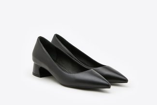 119-1 Black Sculptural Classic Pointy Toe Leather Chunky Pumps