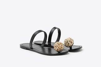 YD231-52 Black Crystal Bloom Toe Strap-On Leather Slides