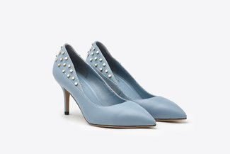 133-5 Powder Blue Gold Studded Pointy Leather Heels