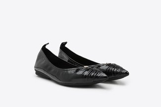 9550-1 Black Crinkled Pointy Leather Flats