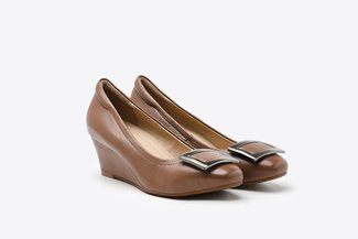 1068-3 Brown Metallic Buckle Round Toe Wedge Pumps