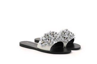 R22-2 White Floral Embellished Sandals