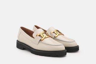 3553-1 Beige Vintage Chain Embellished Loafers