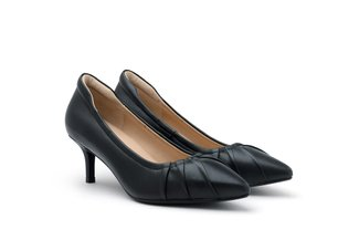 712-29 Black Classic Pleated Pointed Kitten Heels
