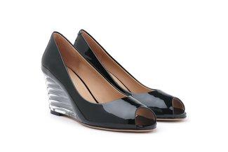 2101-1 Black Classic Peep Toe Patent Wedges