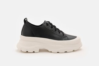 A127-1 Slip-On Platform Leather Sneakers