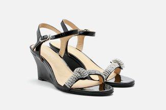 5921-01 Black Roll Diamante-Embellished Sandals