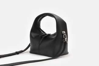 11672 Black Minimalist Leather Hobo Bag