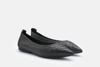9550-26 Black Weave Leather Pointy Toe Flats