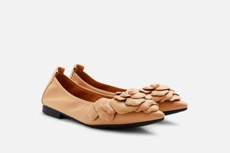 9550-89 Camel Blooming Floral Pointed Toe Flats