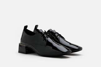 1916-37 Black Patent Lace Up Heeled Loafers