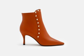 2072-20 Caramel Grained Leather Studded Ankle Boots