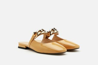2272-1 Camel Oversized Chain Loop Round Toe Patent Mules