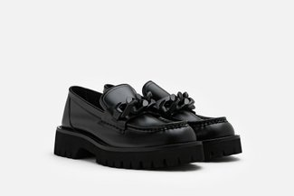 8608-225 Black Oversized Chain Chunky Leather Loafers